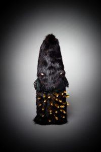Fourrure noire et Pic dorés